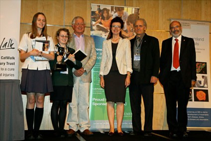 Prizes were presented by Professor Sir Peter Gluckman, George Paxinos, Sarah Dunlop and Richard Faull (from right to left)